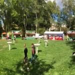 Ein Festzelt mit kleiner Budenstadt wurde aufgebaut.