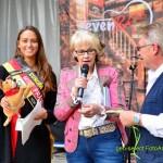 """Miss Fränkische Schweiz hat sich den Gnadenhof zu """"ihrem Projekt"""" ausgewählt."""